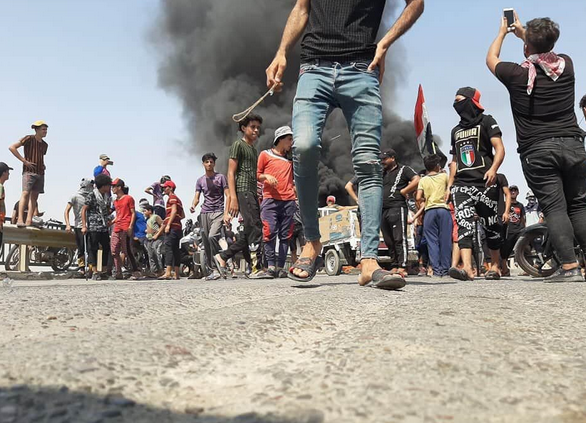 کشته شدن سومین معترض در بغداد و تشدید اعتراض ها در ذی قار