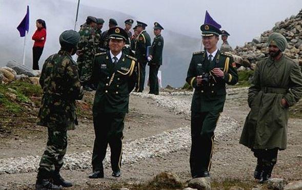 توافق وزرای دفاع چین و هند بر سر کاهش تنش های مرزی