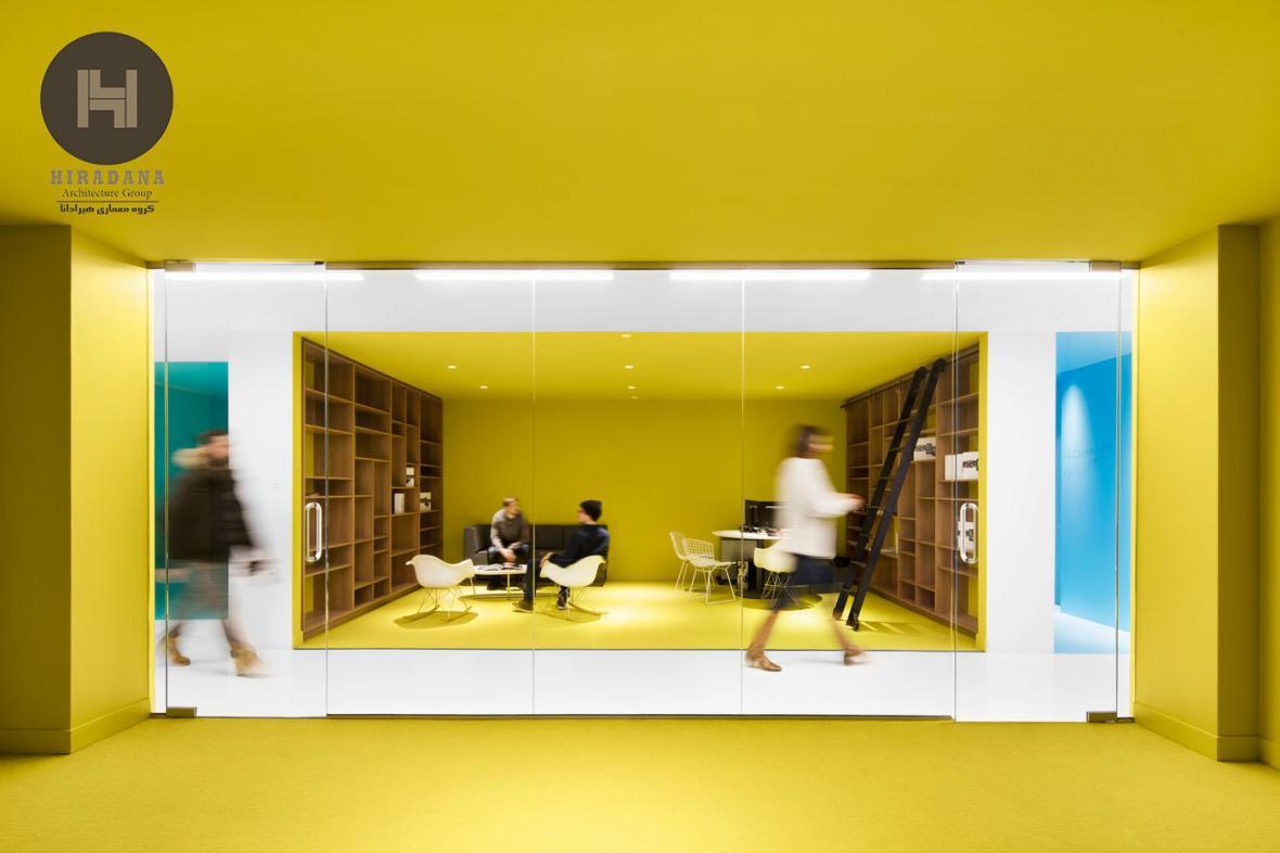طراحی دکوراسیون اداری با رنگ های خاص