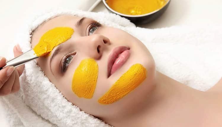 آموزش تهیه 4 نوع ماسک زردچوبه و ماست برای انواع پوست