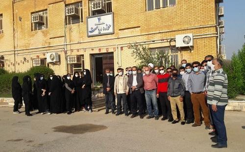 کارکنان و اعضای هیأت علمی دانشگاه آزاد بندرماهشهر تجمع کردند