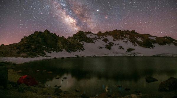 کهکشان راه شیری بر فراز قله سبلان